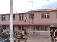 Ainsi vit La Casa de los Recuerdos, à l'ombre des couleurs Franco Colombiennes.