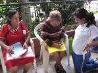 estudainte-colegio-reina-de-la-paz-comparten-con-adultos-may